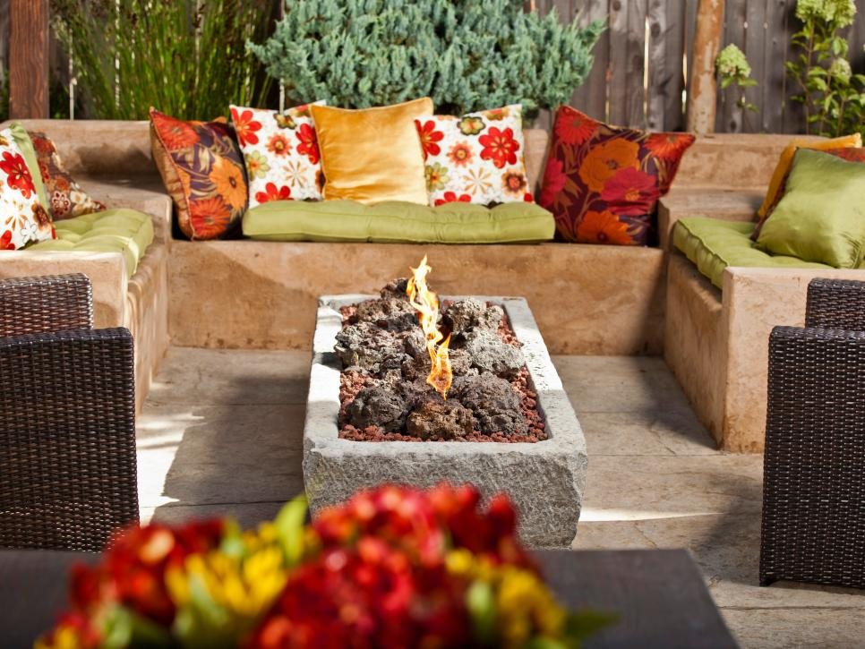 A Review Of Outdoor Fireplaces